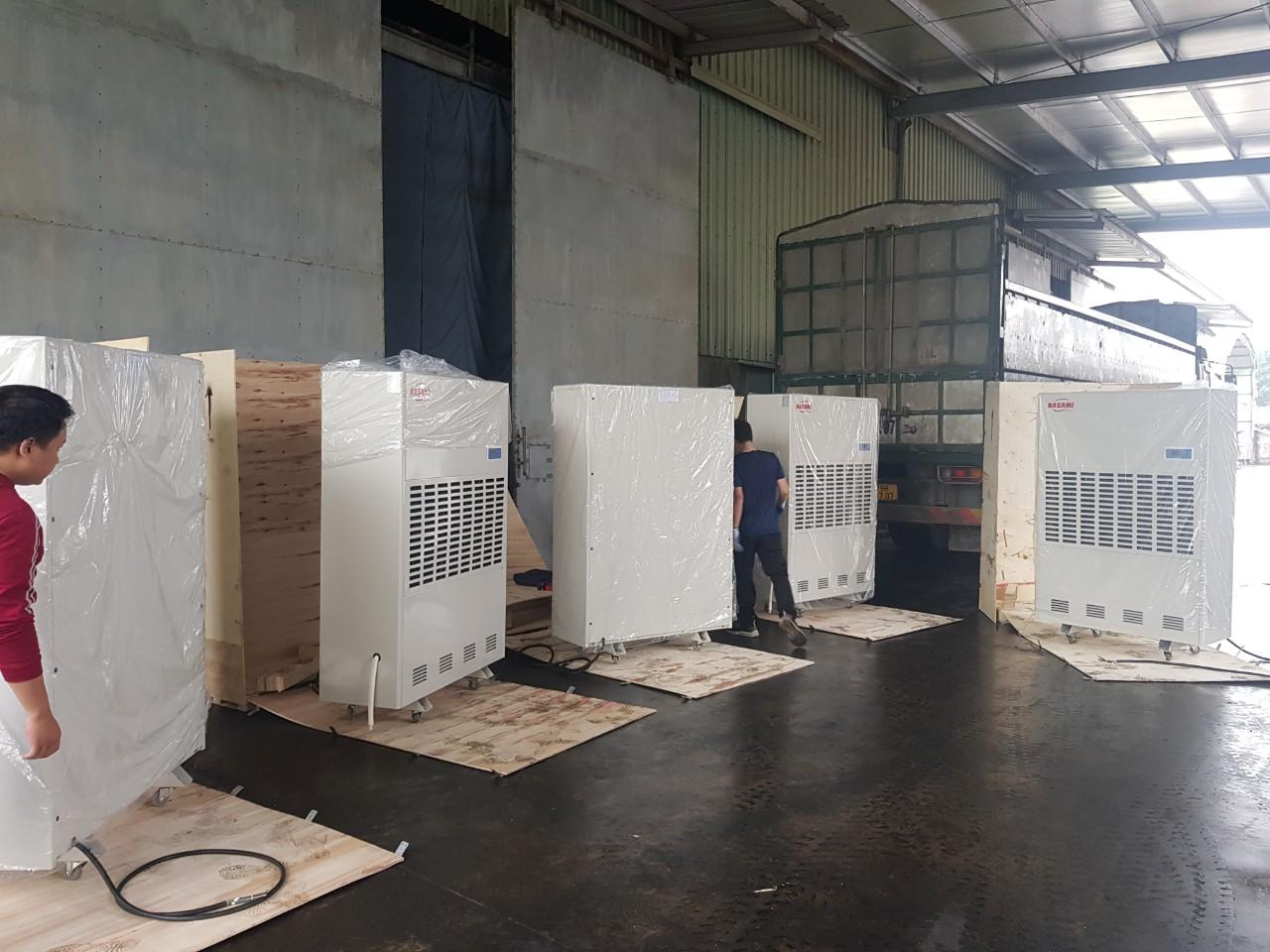Choáng với máy hút ẩm công nghiệp Kasami KD-480 khi bảo quản hàng hóa.